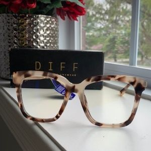 Diff eyewear bella CT-BB10 new in box